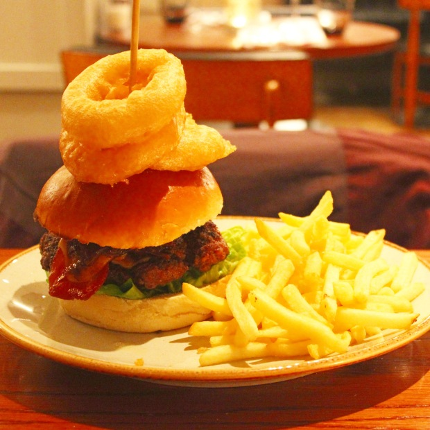 White Star Tavern Burger White Star Tavern Southampton Restaurant Review Food Fash Fit